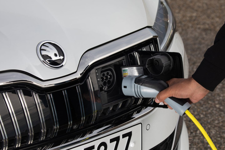 cargar-coche-electrico-Skoda