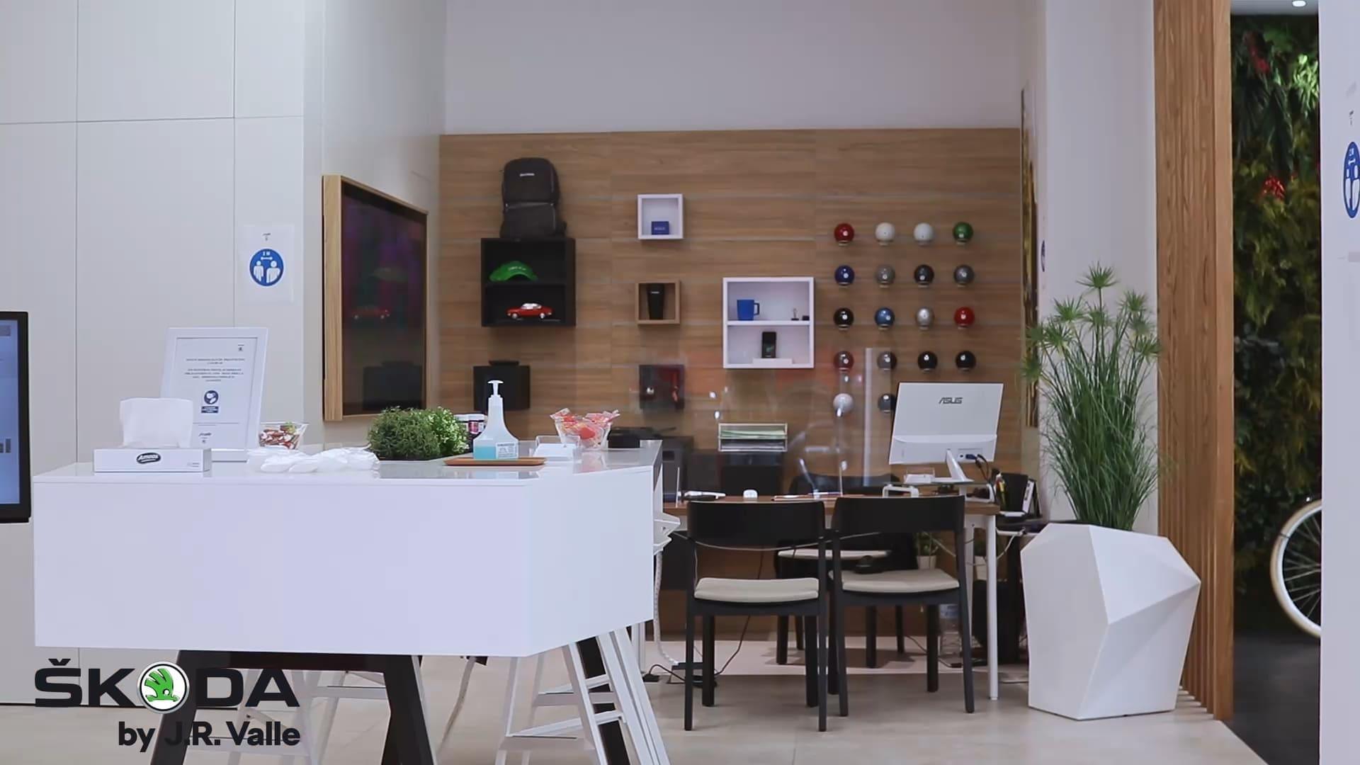 interior-Skoda-City-Store-Valencia-J.R.-Valle